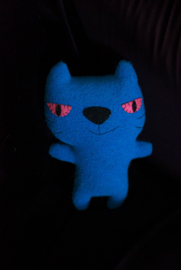 14 Dec Habitat Blue Cat 620x926 14 Dec   Blue Cat