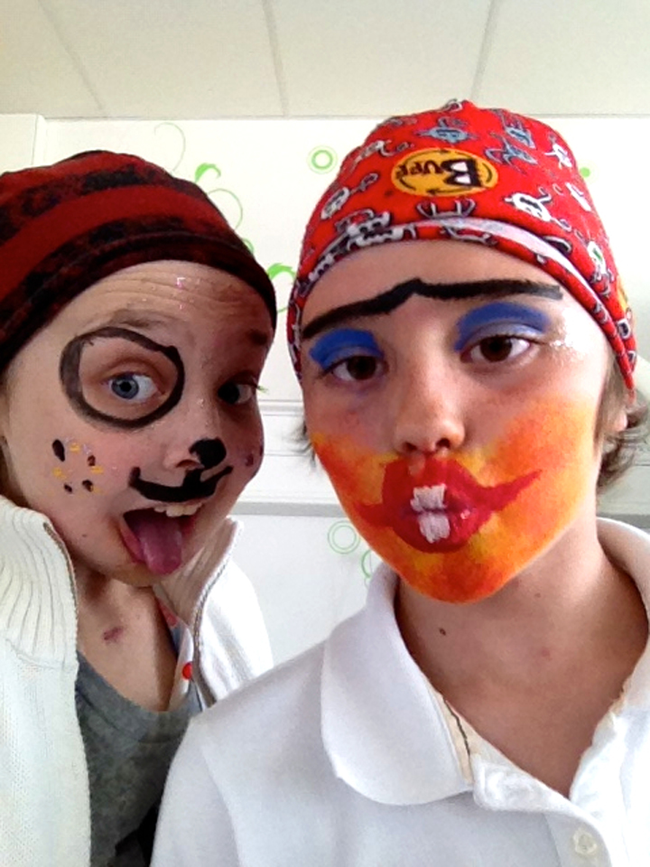 addie+poppy_PaintedFaces_WeLovePoppy